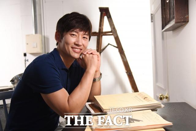 다둥이 아빠 가수 박지헌은 요즘 가족들과 함께 매주 캠핑을 떠나는 재미에 푹 빠져 있다. /더팩트 DB