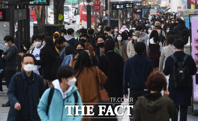 서울시민 4명 중 3명이 서울 안에서 주택, 가족, 직장 등의 이유로 이동했다. /이동률 기자