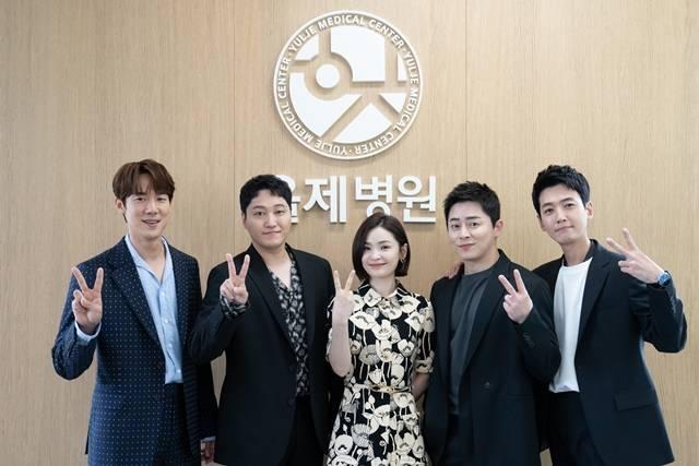 '슬의생2'는 시즌 1 보다 한층 더 깊어지고 따뜻해진 이야기를 전할 전망이다. /tvN 제공