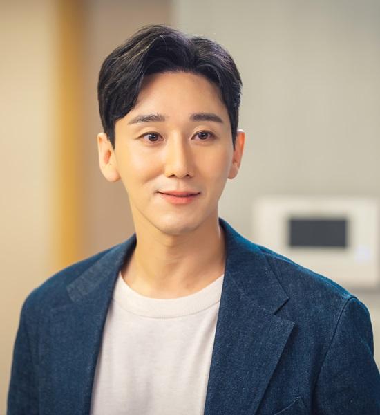 서도진은 KBS2 주말극 '오케이 광자매'에서 로맨틱하다가도 냉철한 사기꾼 면모를 보이는 등 상황에 따라 앞뒤가 달라지는 다채로운 캐릭터로 극의 긴장감을 높인다. /'오케이 광자매' 제공