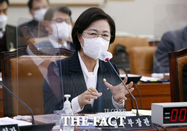 11일 법조계에 따르면 서울동부지검은 지난 9일 시민단체 법치주의바로세우기행동연대(법세련)가 추 전 장관을 고발한 4개의 사건에 모두 각하 처분을 내렸다. /남윤호 기자