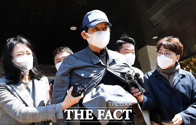 검사 술접대 의혹을 폭로한 김봉현 전 스타모빌리티 회장이 20일 보석으로 석방됐다. /임영무 기자
