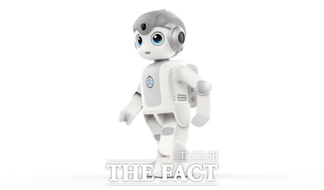 서울시가 인공지능 로봇 '알파미니'를 어린이집에 무상 대여해주는 시범사업을 내달부터 시작한다고 21일 밝혔다. 사진은 인공지능 로봇 알파미니. /서울시 제공