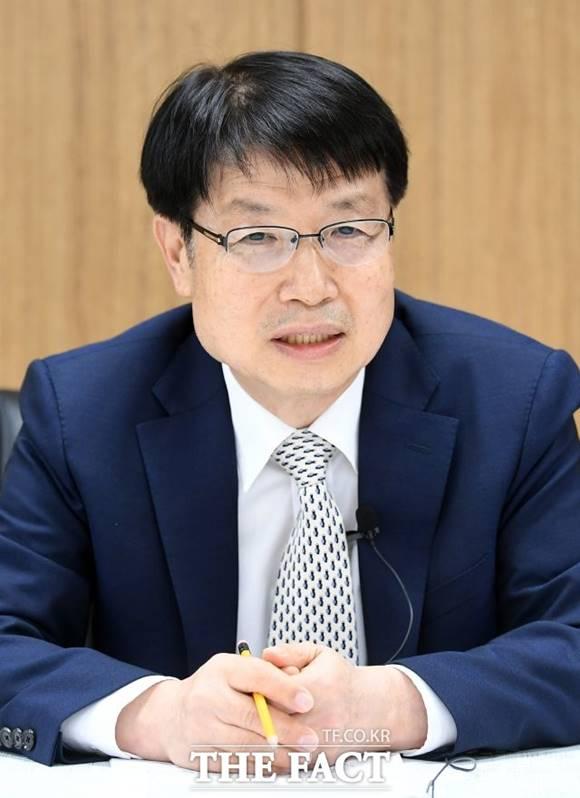김학배 위원장은 앞으로 서울자치경찰에서 주요 과제로 다뤄야 하는 것에 대해 1인가구 치안, 지하철 안전 문제를 꼽았다. /임영무 기자