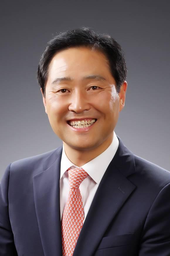 서울디지털재단 신임 이사장에 강요식 전 한국조폐공사 이사가 임명됐다. 13일부터 3년간 재단을 이끈다. /서울시 제공