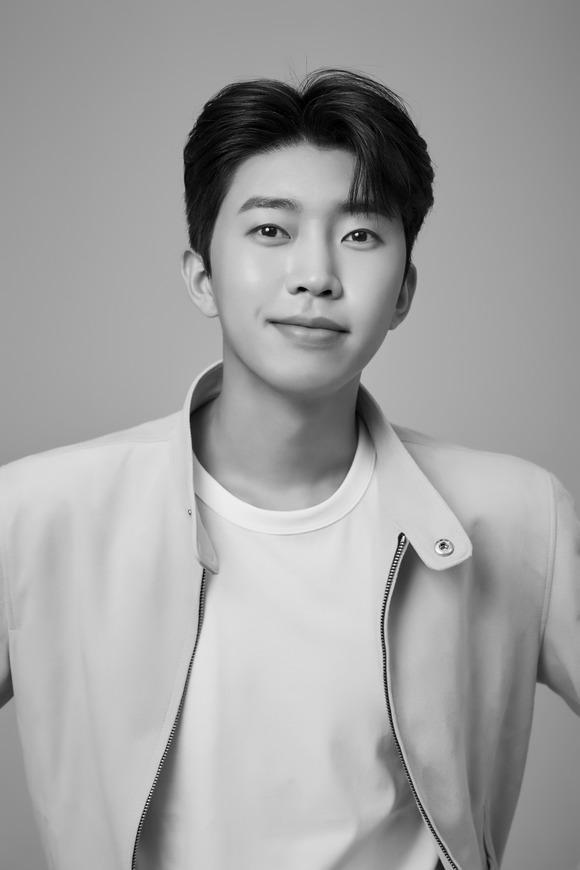임영웅이 오는 10월 2일 온택트로 개최되는 '2021 더팩트 뮤직 어워즈'에 참석한다. /물고기컴퍼니 제공