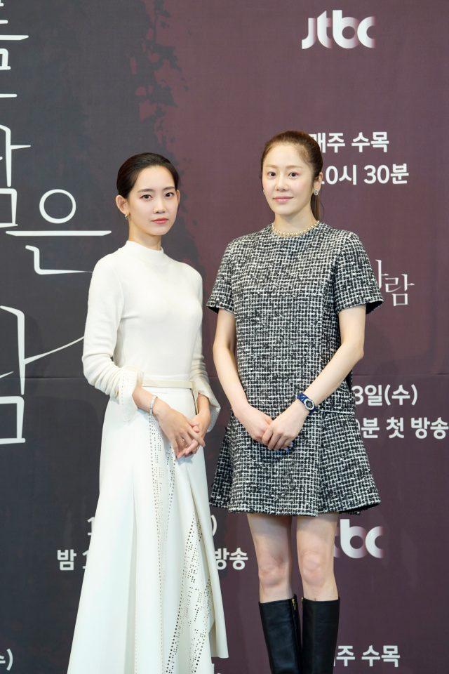 신현빈(왼쪽)과 고현정이 JTBC 새 수목드라마 '너를 닮은 사람'를 통해 호흡을 맞춘다. /JTBC 제공